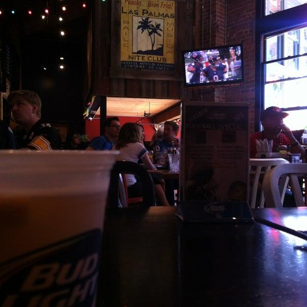 Снимок сделан в Pete's Tavern пользователем Tran M. 9/8/2013