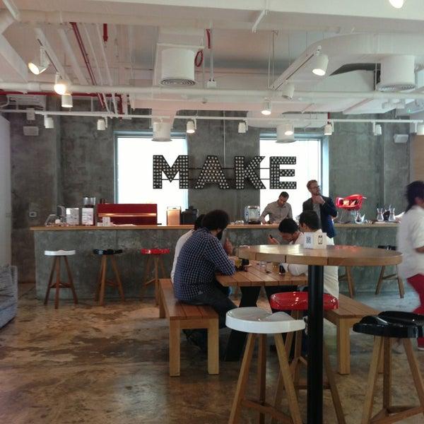 รูปภาพถ่ายที่ MAKE Business Hub โดย Talal M. เมื่อ 3/15/2013