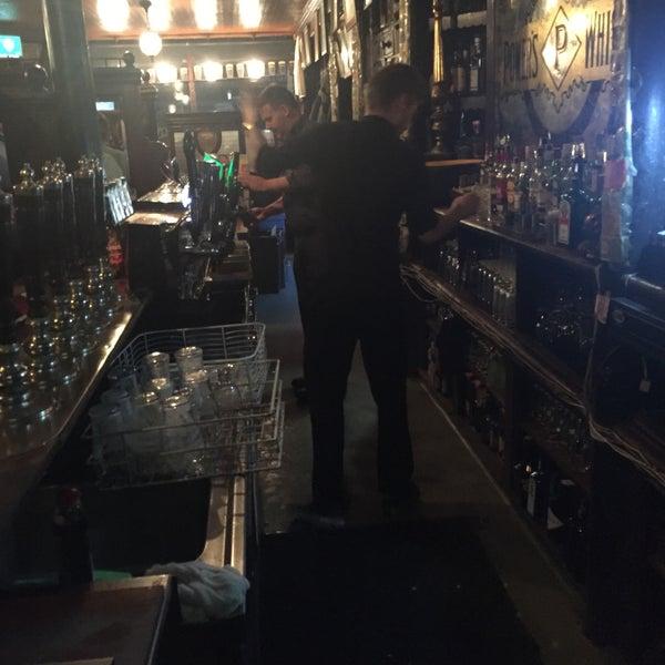 รูปภาพถ่ายที่ Toners Pub โดย Gary W. เมื่อ 10/20/2016