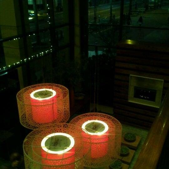 Foto diambil di Chima Brazilian Steakhouse oleh Keisha C. pada 12/28/2012