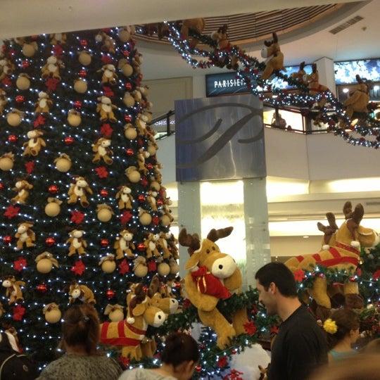 Das Foto wurde bei Portones Shopping von Michelle V. am 12/7/2012 aufgenommen