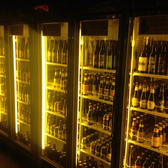 Das Foto wurde bei Alphabet City Beer Co. von Arthur D. am 1/15/2013 aufgenommen