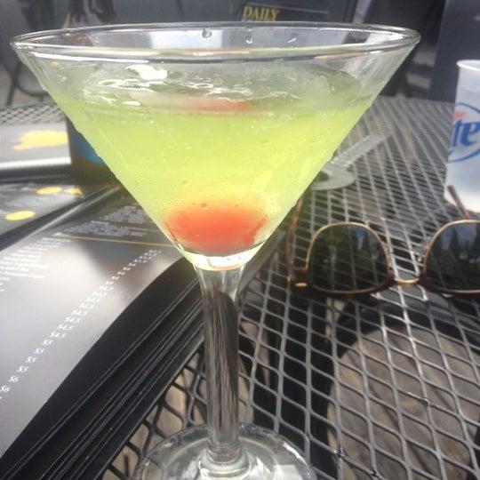 Das Foto wurde bei Royal Oak Bar and Grill von Lauren P. am 5/2/2013 aufgenommen
