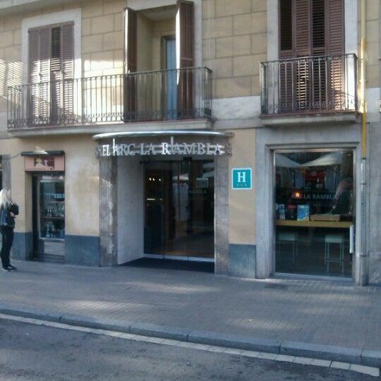 Foto diambil di Hotel Arc La Rambla oleh Simon H. pada 11/23/2012