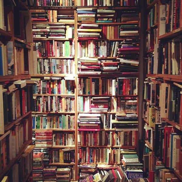 Foto scattata a Strand Bookstore da Michael S. il 5/5/2013