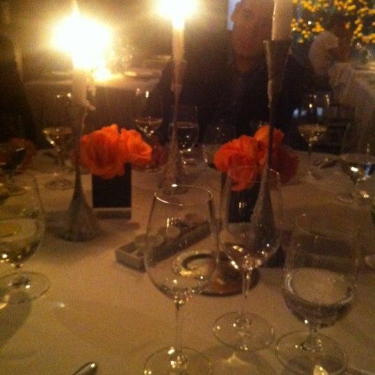 รูปภาพถ่ายที่ Jaso Restaurant โดย Jesus A. เมื่อ 11/1/2012