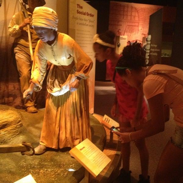 รูปภาพถ่ายที่ North Carolina Museum of History โดย Lauren W. เมื่อ 6/25/2013