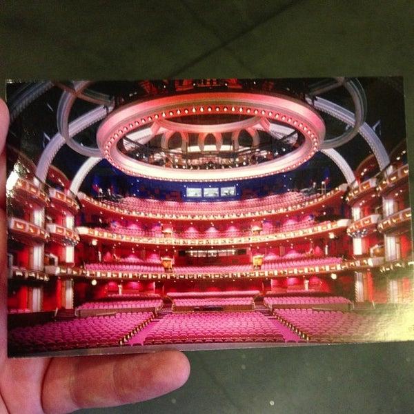 Foto diambil di Dolby Theatre oleh Tim G. pada 6/21/2013