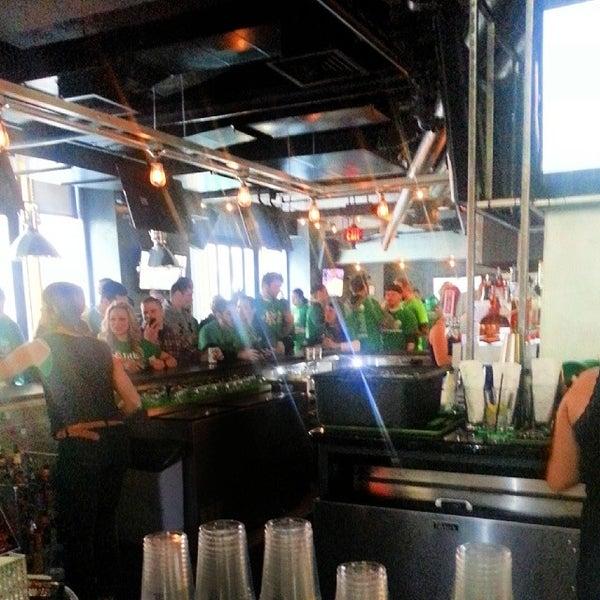 3/8/2014にCrawl I.がWarehouse Bar & Grillで撮った写真