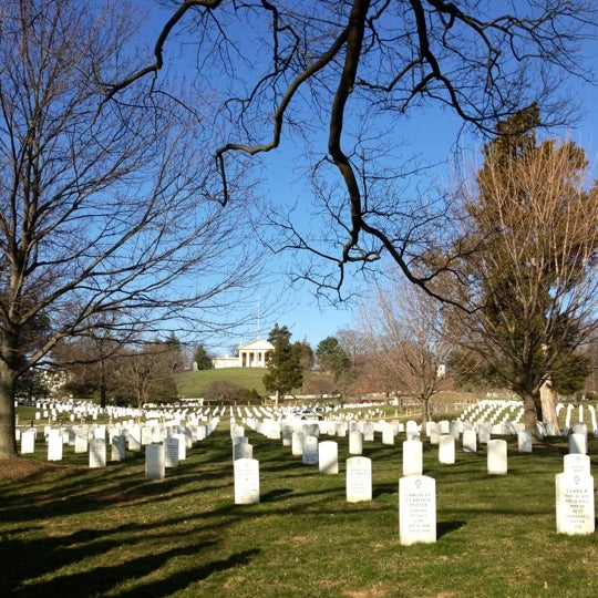 Foto tirada no(a) Arlington National Cemetery por Jacqueline W. em 3/5/2013