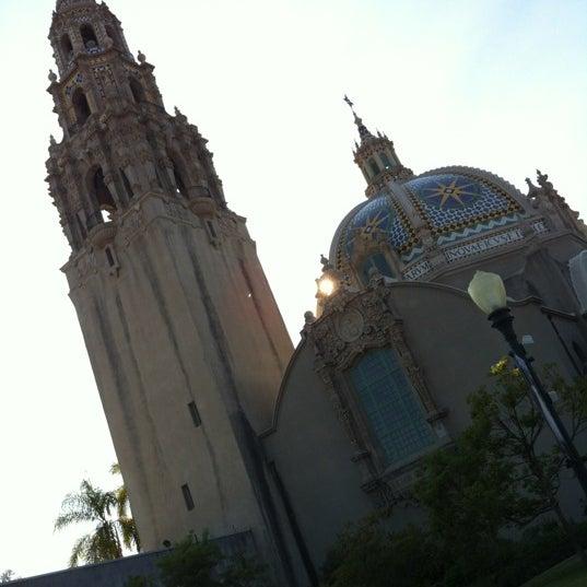 Photo prise au San Diego Museum of Man par Estuardo Z. le10/28/2012