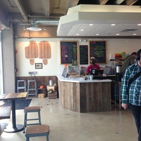 10/27/2012にNichole T.がPleasant Pops Farmhouse Market & Cafeで撮った写真