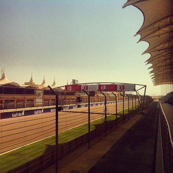 Foto scattata a Bahrain International Circuit da Ali A. il 10/27/2012