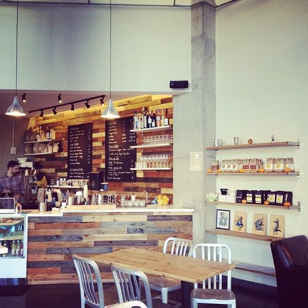 11/13/2012にNicole J.がCondesa Coffeeで撮った写真