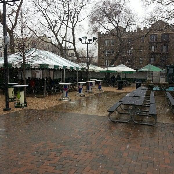 3/16/2013 tarihinde Blaine D.ziyaretçi tarafından Bohemian Hall & Beer Garden'de çekilen fotoğraf