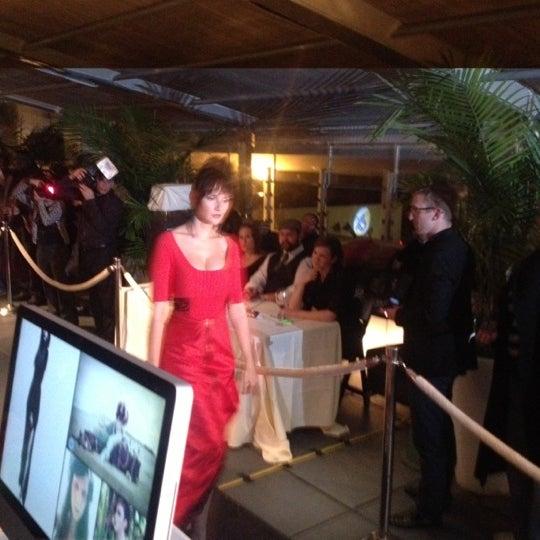 Снимок сделан в Solas Lounge & Rooftop Bar пользователем Corey W. 11/15/2012
