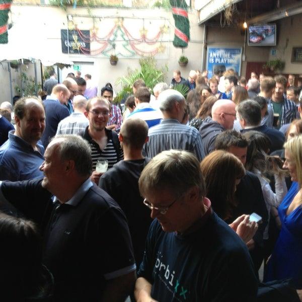 รูปภาพถ่ายที่ Toners Pub โดย Seth T. เมื่อ 6/28/2013