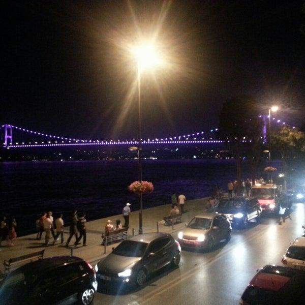 Foto tomada en Taş Kahve Cafe & Restaurant por Emir K. el 7/13/2013