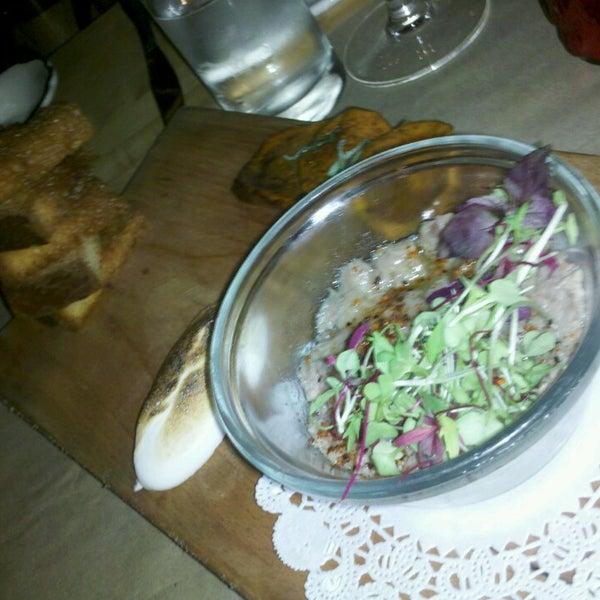 Das Foto wurde bei The Federal Food Drink & Provisions von NataschaOS am 7/7/2013 aufgenommen