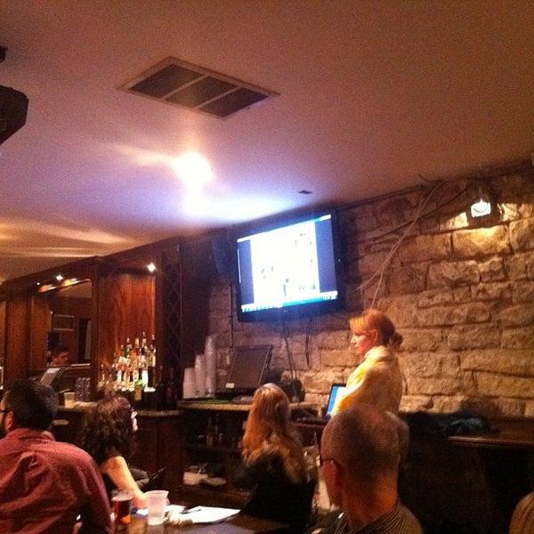 รูปภาพถ่ายที่ Lottie's Pub โดย Jeremiah T. เมื่อ 1/16/2013