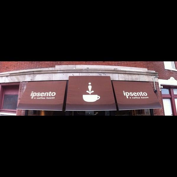 Foto tirada no(a) Ipsento Coffee House por Jeremiah T. em 12/7/2012