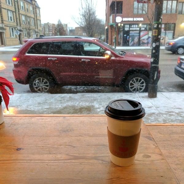 Foto tirada no(a) Ipsento Coffee House por Jeremiah T. em 1/12/2017
