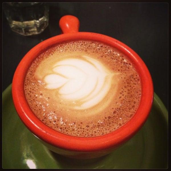 Foto tirada no(a) Ipsento Coffee House por Miranda em 9/14/2013