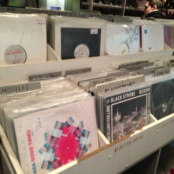 3/29/2013에 Alexey U.님이 Baza Record Shop에서 찍은 사진