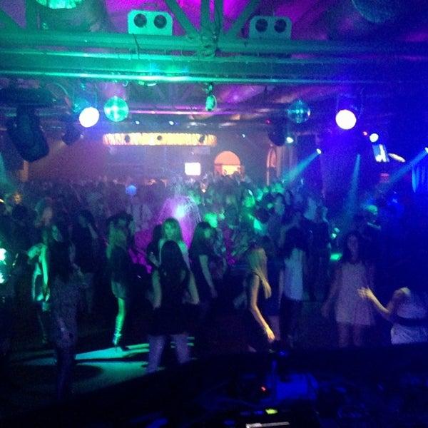 Ночной клуб на мира вологда фитнес клуб world class вакансии москва