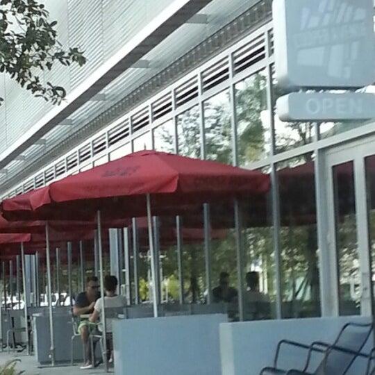 10/19/2012에 Mark Z.님이 Cooper Avenue에서 찍은 사진