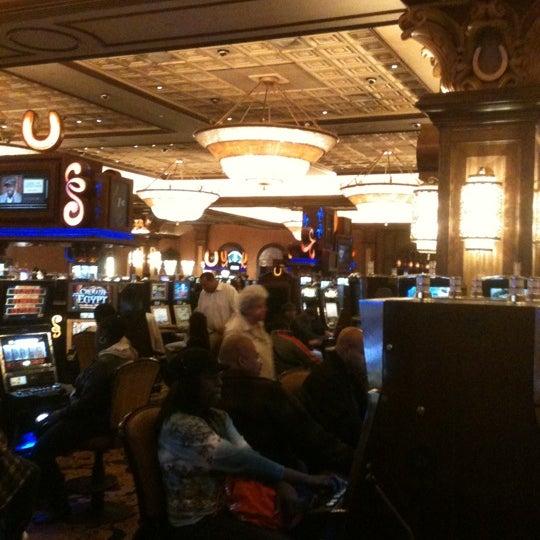 รูปภาพถ่ายที่ Horseshoe Hammond Casino โดย Brian C. เมื่อ 11/3/2012