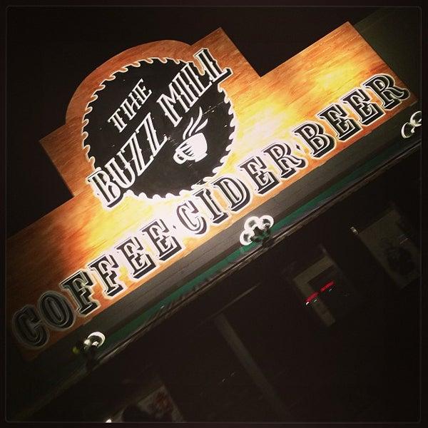 Das Foto wurde bei Buzzmill Coffee von Brandy Michele A. am 2/1/2013 aufgenommen