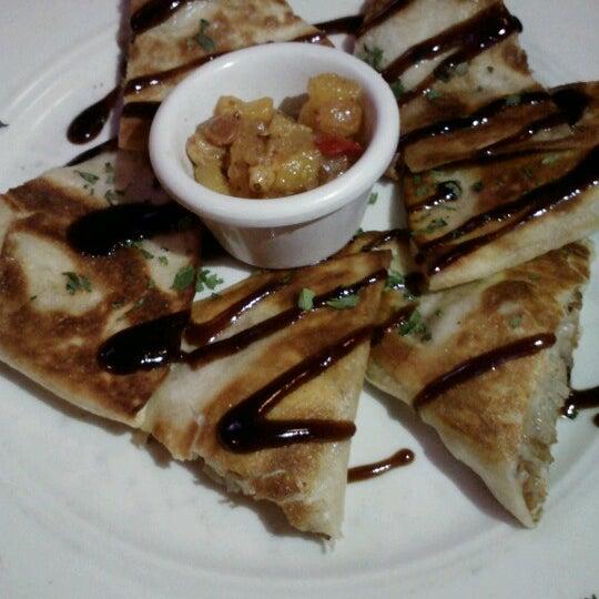 Foto scattata a Ryan's Grill da Kevin Y. il 11/10/2012