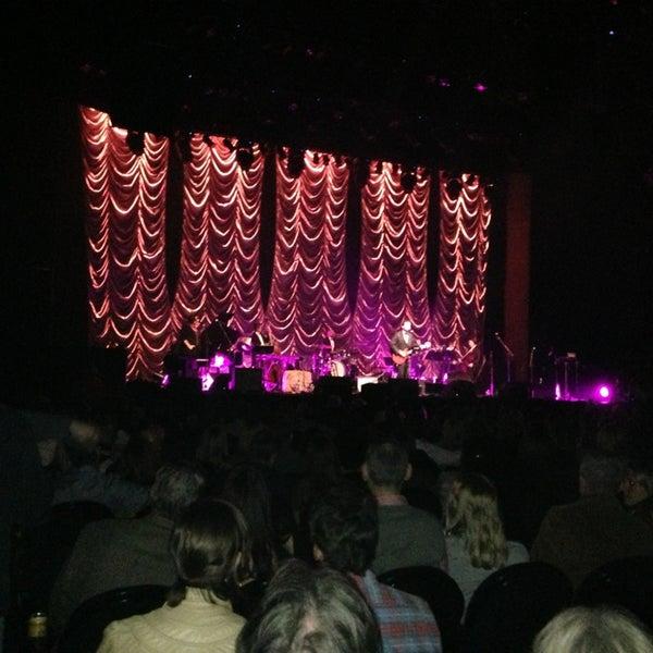 Das Foto wurde bei Austin City Limits Live von Urvi B. am 2/15/2013 aufgenommen