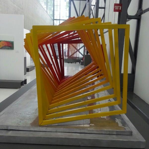 Photo prise au Museo Universitario del Chopo par Berenice C. le7/28/2013