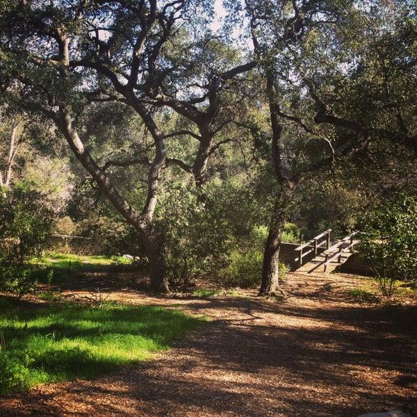 2/14/2013 tarihinde Mackie T.ziyaretçi tarafından Descanso Gardens'de çekilen fotoğraf