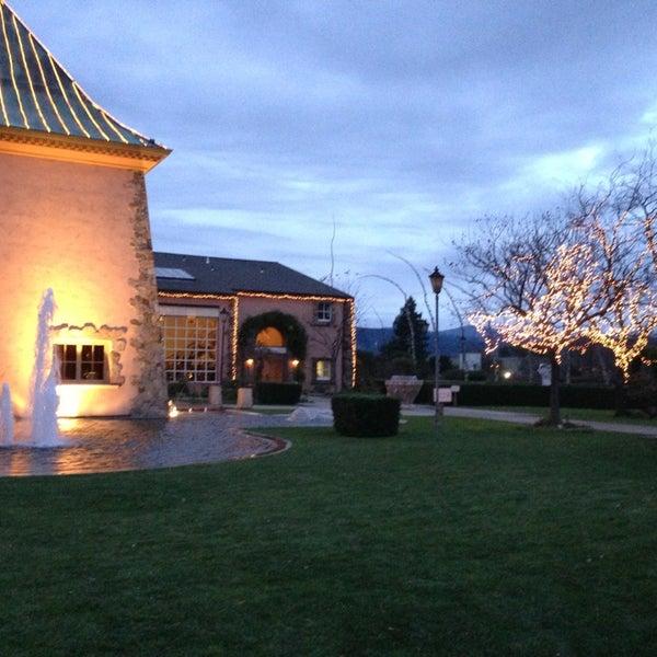 Foto scattata a Peju Province Winery da Angela T. il 12/29/2012