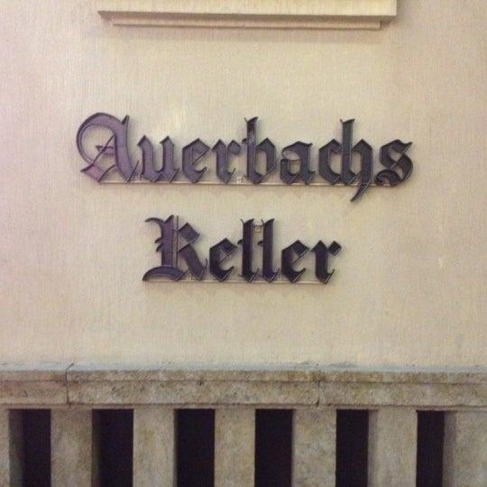Das Foto wurde bei Auerbachs Keller von Iro4ka N. am 10/10/2012 aufgenommen