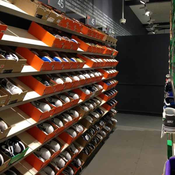 Nike Factory Store - 12 tips from 3656 visitors