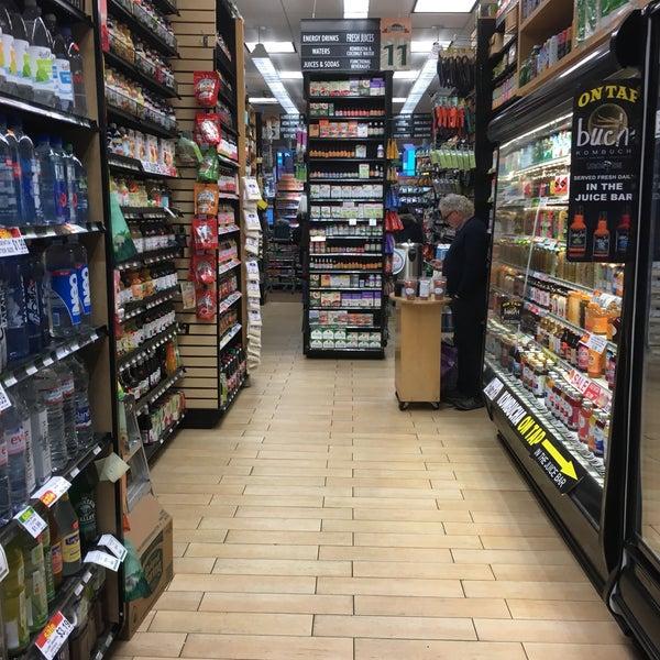 11/10/2017 tarihinde Albert C.ziyaretçi tarafından Westerly Natural Market'de çekilen fotoğraf