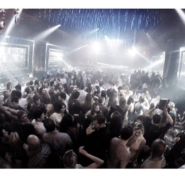 Photo prise au Spazio Nightclub par MAGMIAMI le5/3/2014