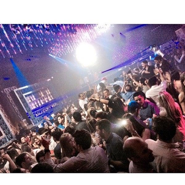 Photo prise au Spazio Nightclub par MAGMIAMI le6/14/2014