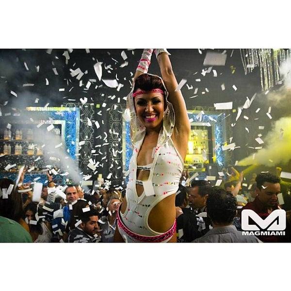 Photo prise au Spazio Nightclub par MAGMIAMI le3/12/2014