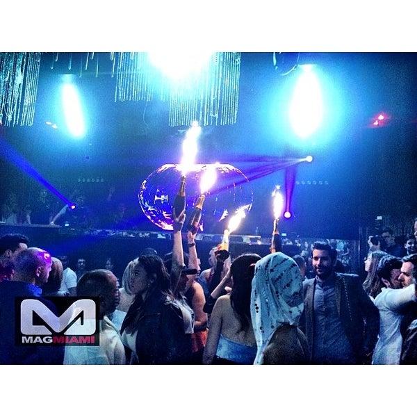 Photo prise au Spazio Nightclub par MAGMIAMI le3/8/2014