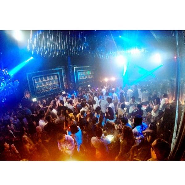 Photo prise au Spazio Nightclub par MAGMIAMI le5/10/2014