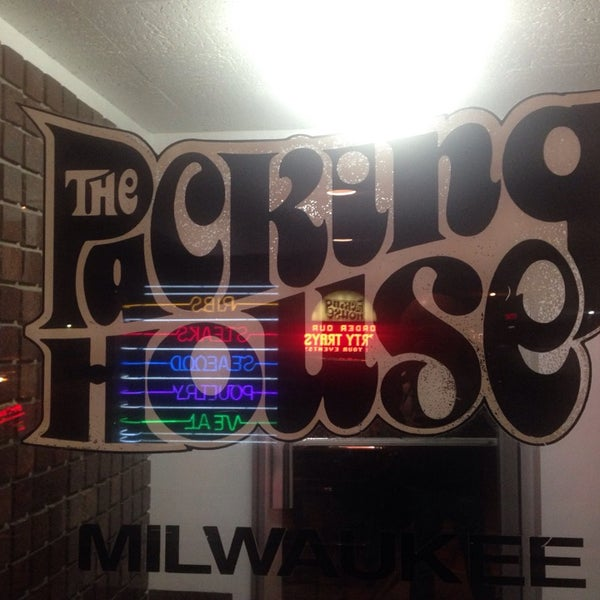 Foto tirada no(a) The Packing House por Ari J. em 10/19/2014