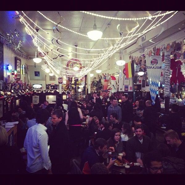Foto tirada no(a) Jacob Wirth Restaurant por Jesse B. em 11/15/2012