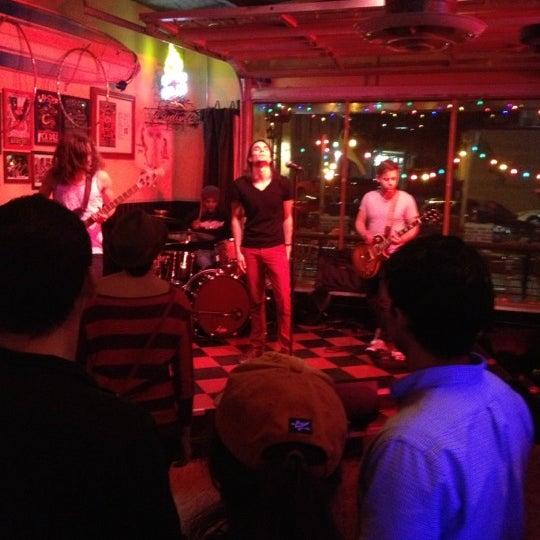 Foto diambil di Lucy's Retired Surfers Bar and Restaurant oleh Krista V. pada 2/24/2013