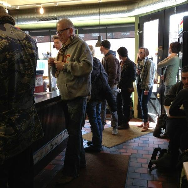 Foto diambil di On the Hill Cafe oleh Doris N. pada 2/10/2013