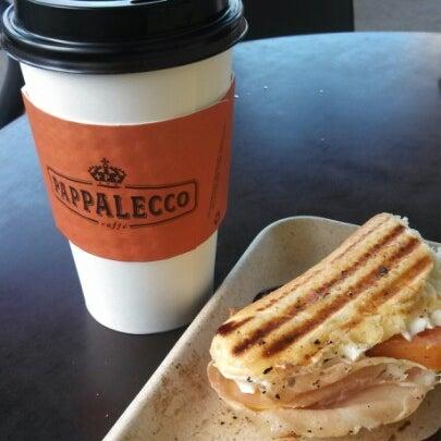 12/29/2012 tarihinde Eli M.ziyaretçi tarafından Pappalecco'de çekilen fotoğraf